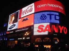 digital signage at Picadilly Circus
